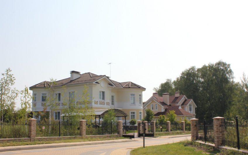 Дом в элитном КП «Монтевиль»